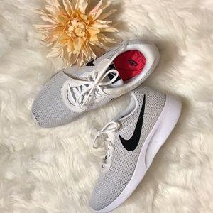 volverse loco Pronunciar Herméticamente  Nike Shoes   Mens Engineered For All Day Everyday Comfort   Poshmark